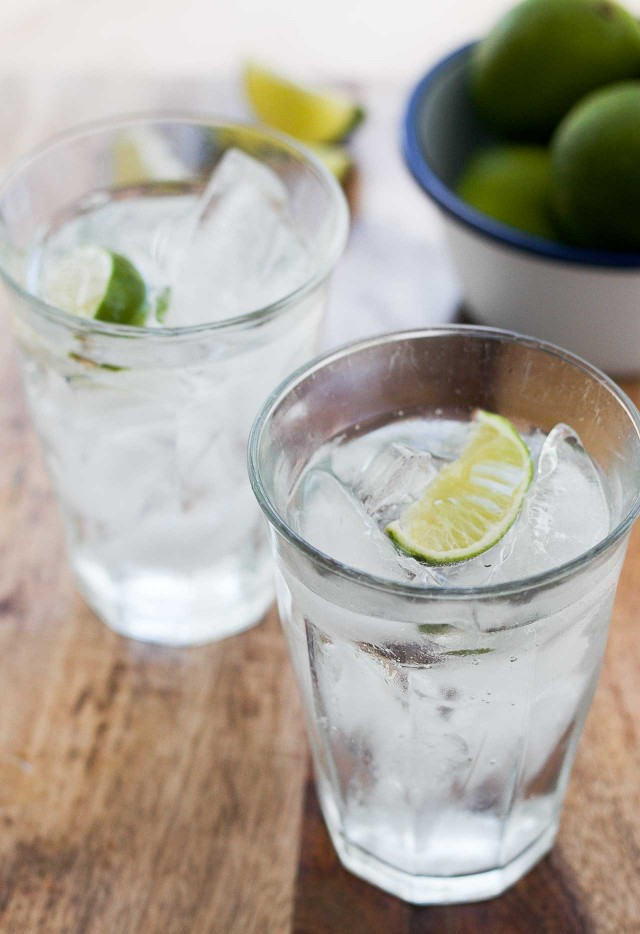 gin-and-tonic-cocktail-2-640x934
